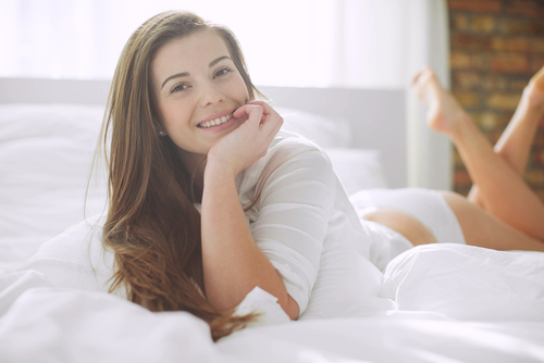 Beautiful woman in bed-img-blog